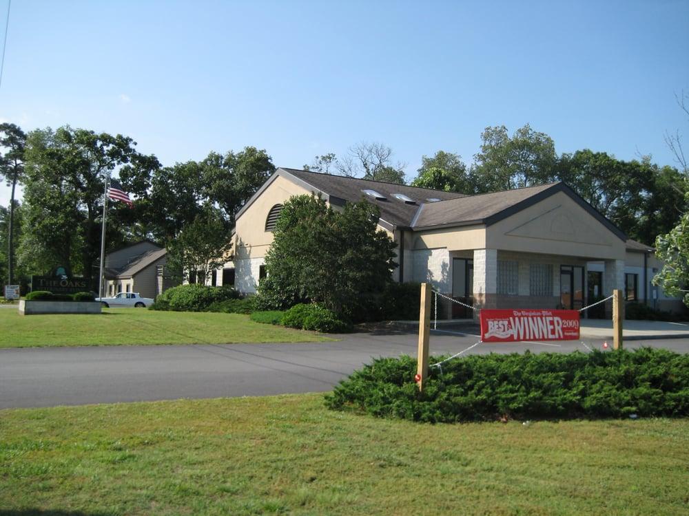 Oaks Veterinary Clinic: 14202 Benns Church Blvd, Smithfield, VA
