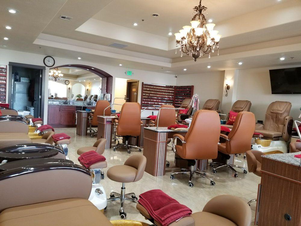 Le Nails & Spa: 191 Rossanley Dr, Medford, OR