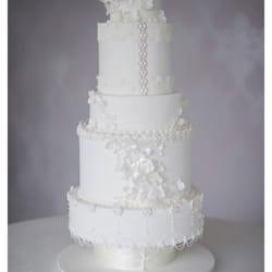 Photo Of La Belle Cake Company Leighton Buzzard Central Bedfordshire United Kingdom Bespoke Wedding Cakes