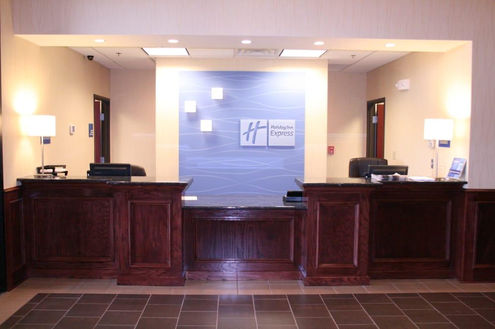 Holiday Inn Express & Suites Pratt: 1903 Pauline Pl, Pratt, KS