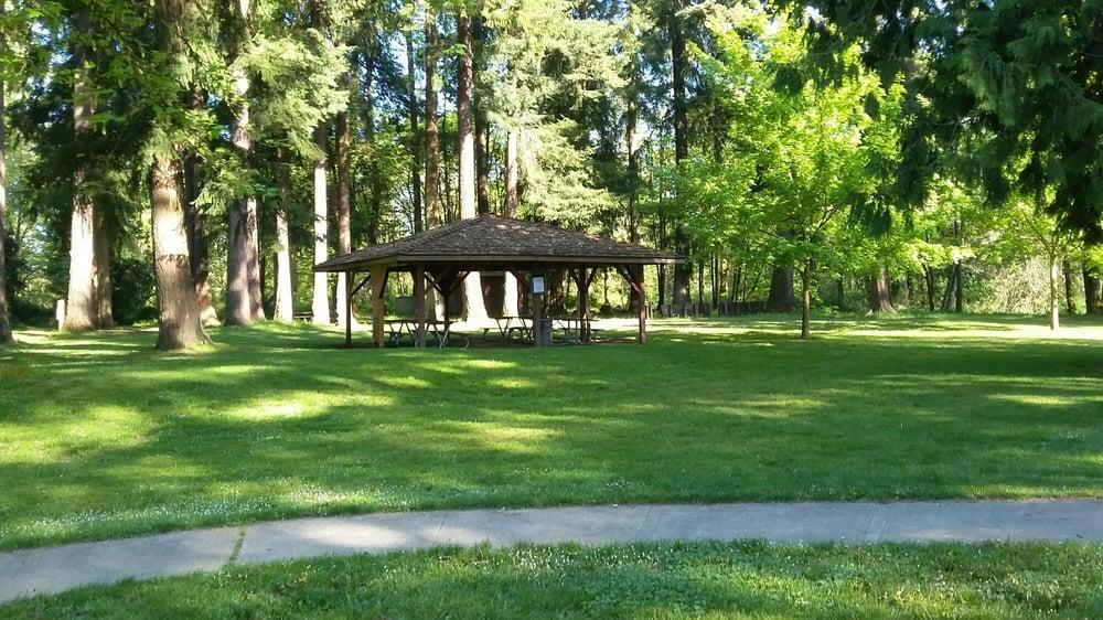 Rotary Riverside Park: Lowe St, Centralia, WA