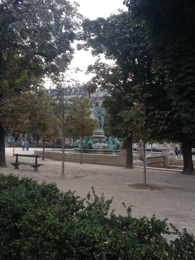 Jardin des grands explorateurs parcs rue michelet et for Jardin 122 rue des poissonniers