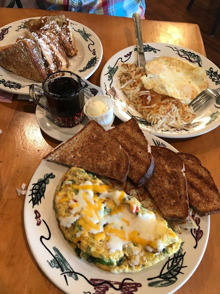 Lambs Farm's Magnolia Cafe & Bakery: 14245 W Rockland Rd, Libertyville, IL