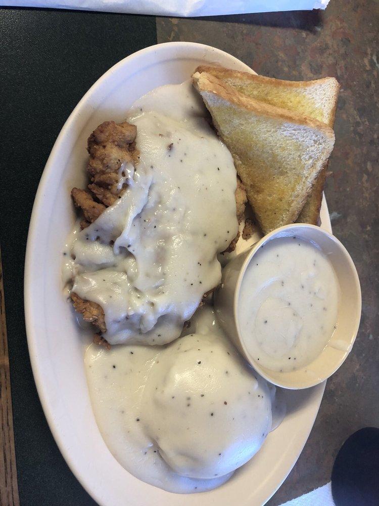 Red Wagon Cafe: 445 W Fwy, Vidor, TX