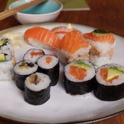 sushi world stadionweg