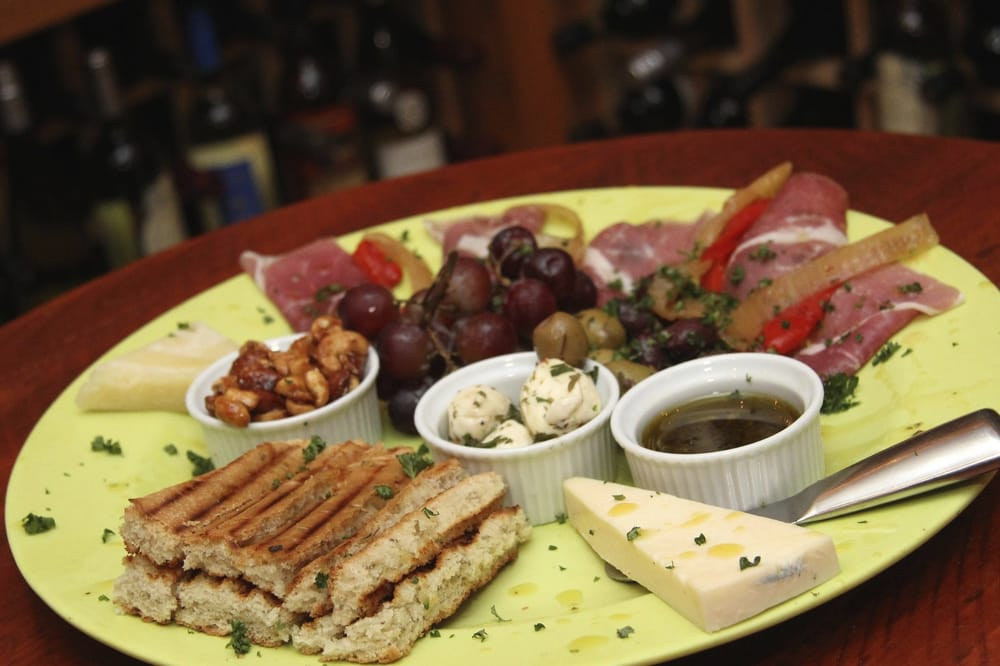 Clearwater Wine Bar & Bistro: 482 Poinsettia Ave, Clearwater Beach, FL