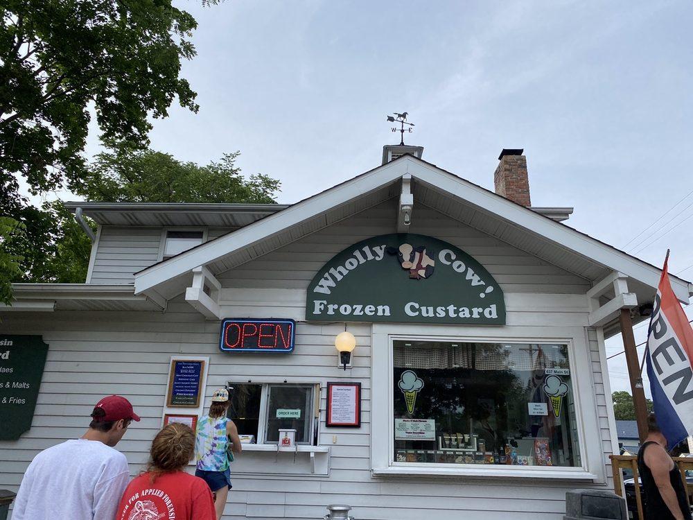 Wholly Cow Frozen Custard: 637 Main St, Delafield, WI