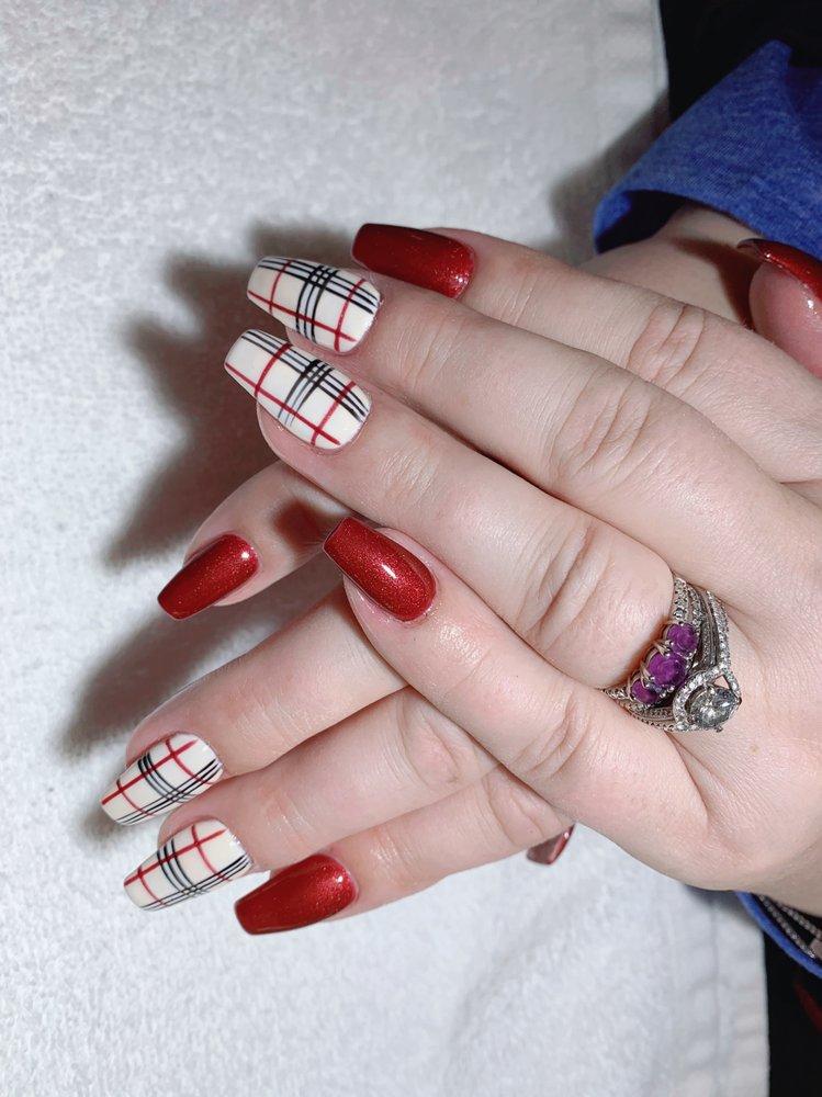 Elite Nails + Spa: 953 Wildwood Rd, Saint Paul, MN