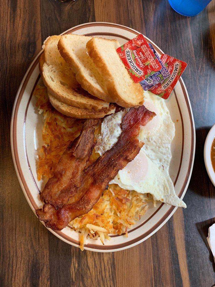 Duke's Diner: 1770 7th Ave, Olivehurst, CA