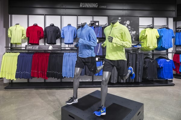 Nike Factory Store 25 Meadows Cir Dr Lake St. Louis, MO Shoe Stores -  MapQuest
