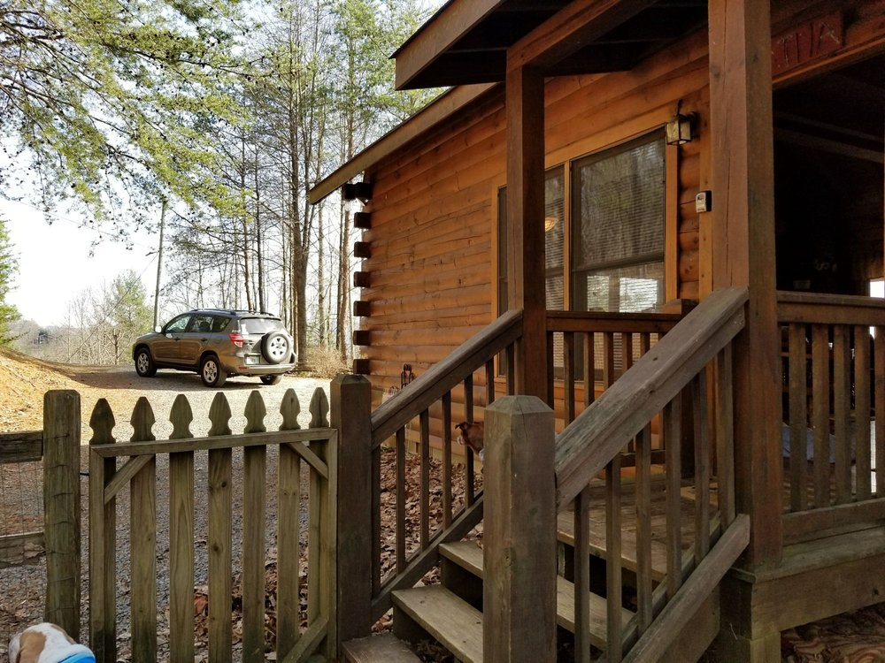 Sliding Rock Cabins: Ellijay, GA