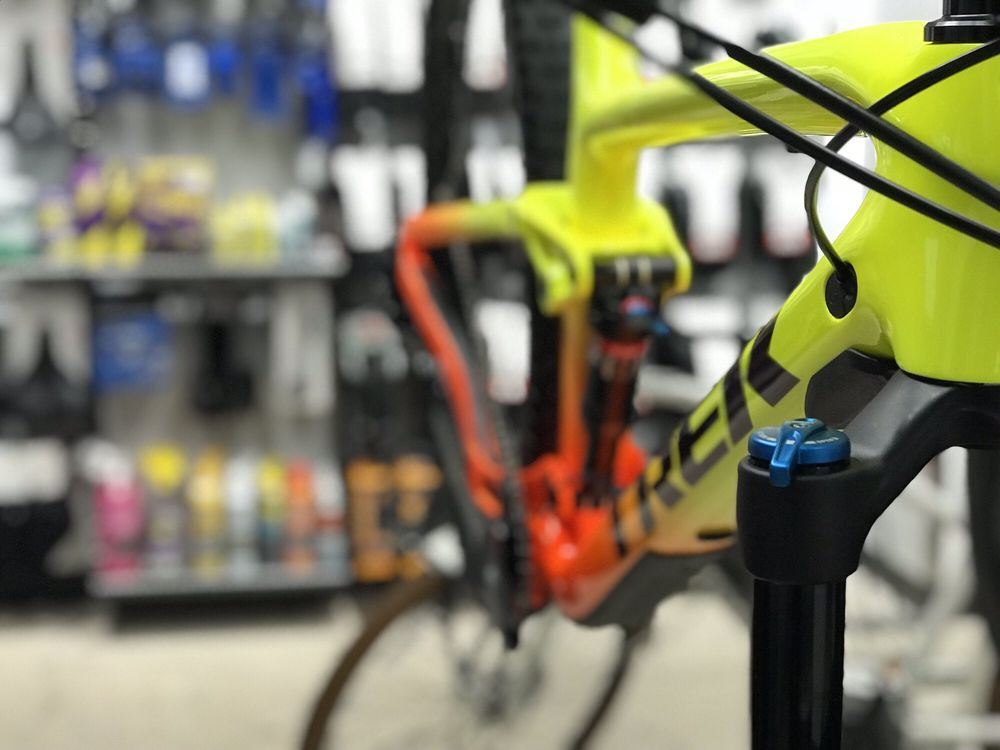 Trek Bicycle Westlake Village: 3835 E Thousand Oaks Blvd, Westlake Village, CA