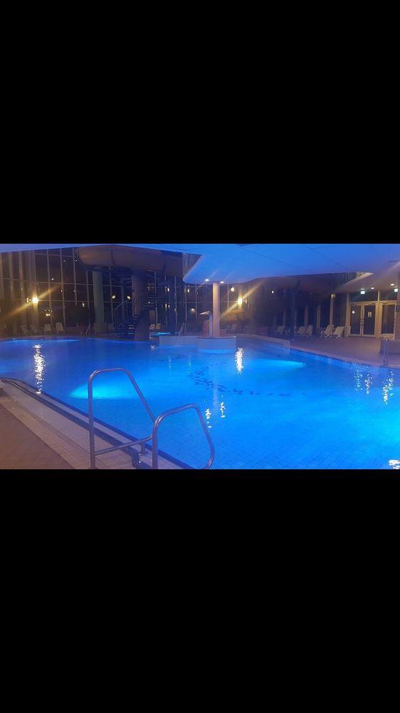 Schwimmbad felsland badeparadies piscine eybergstr 1 for Piscine badeparadies