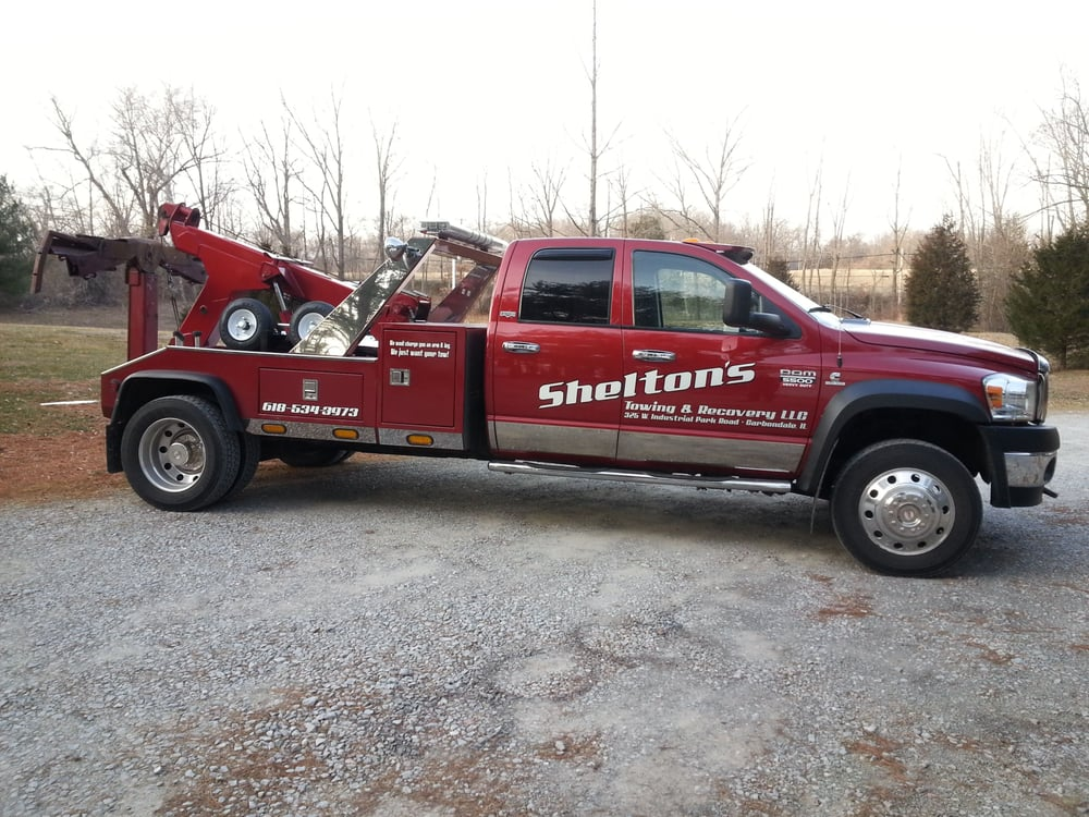 Towing business in Pinckneyville, IL