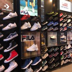 b6b01962523 Foot Locker  8837 - 19 Reviews - Shoe Stores - 3111 W Chandler Blvd ...