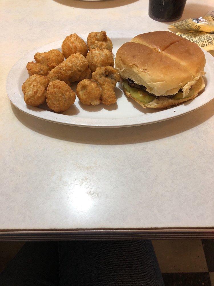 Diner: 36 E Main St, Fordsville, KY