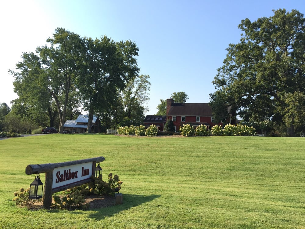 The Saltbox Inn: 537 Hutcheson Rd, Cookeville, TN