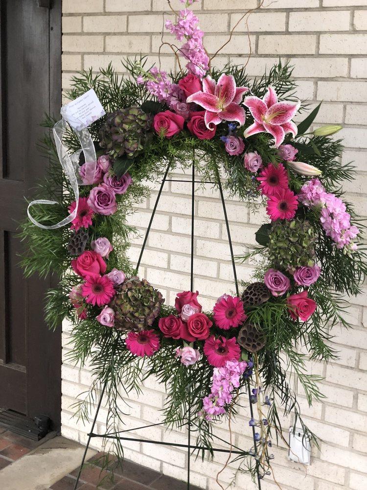 Fleur-De-Farber Florist: 229 Capital St, Denham Springs, LA