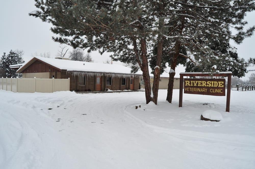 Riverside Veterinary Clinic: 2504 NE Riverside Pl, Pendleton, OR