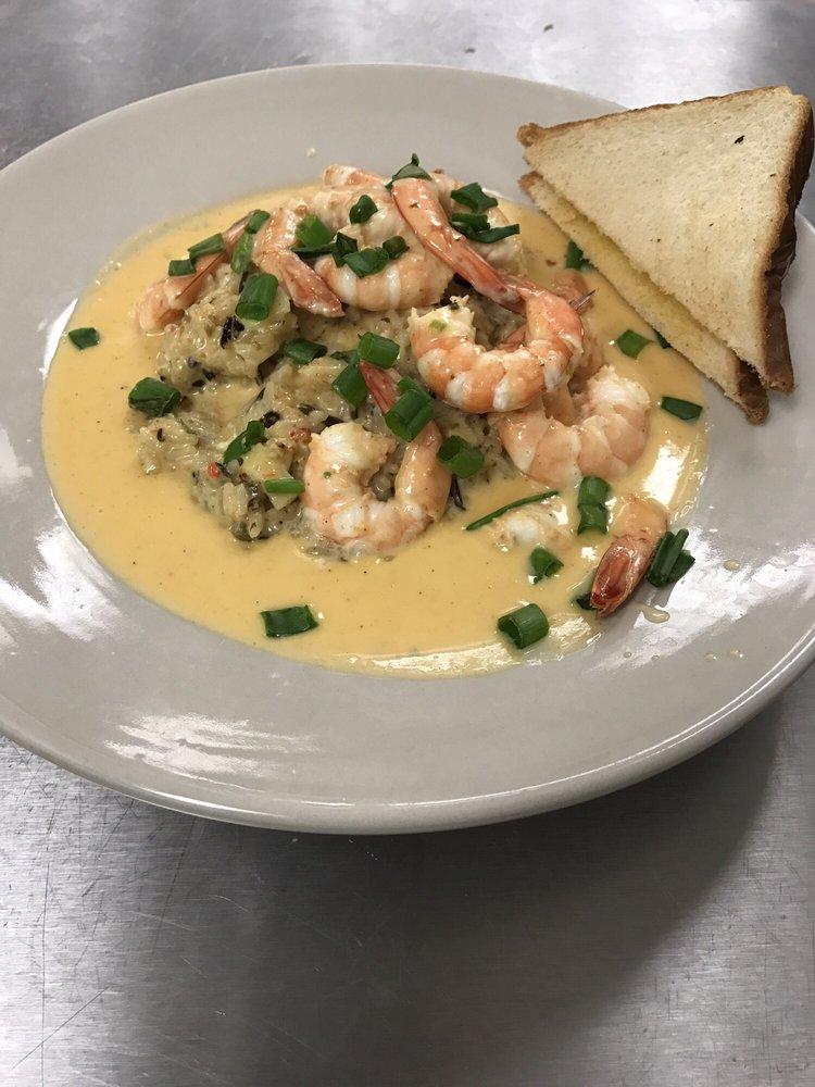 Ashley's Restaurant: 214 Line Ave, Philadelphia, MS