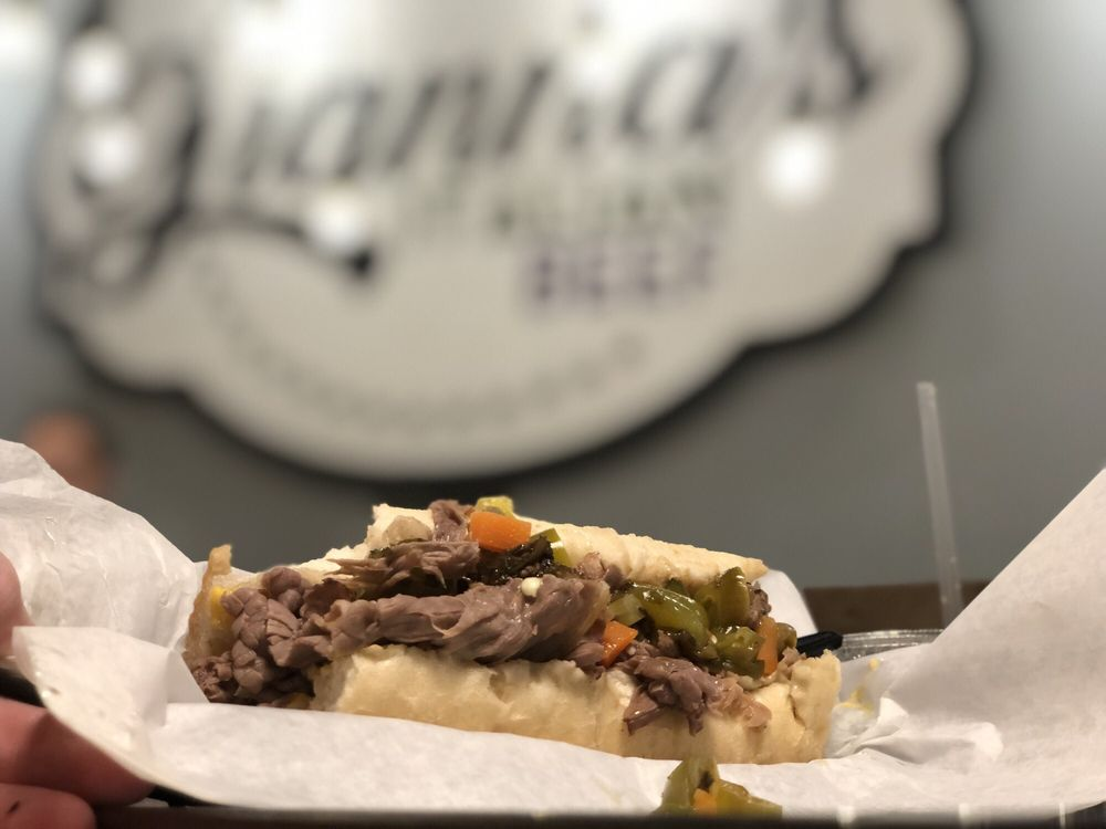 Gianna's Italian Beef: 375 3rd St SE, Cedar Rapids, IA
