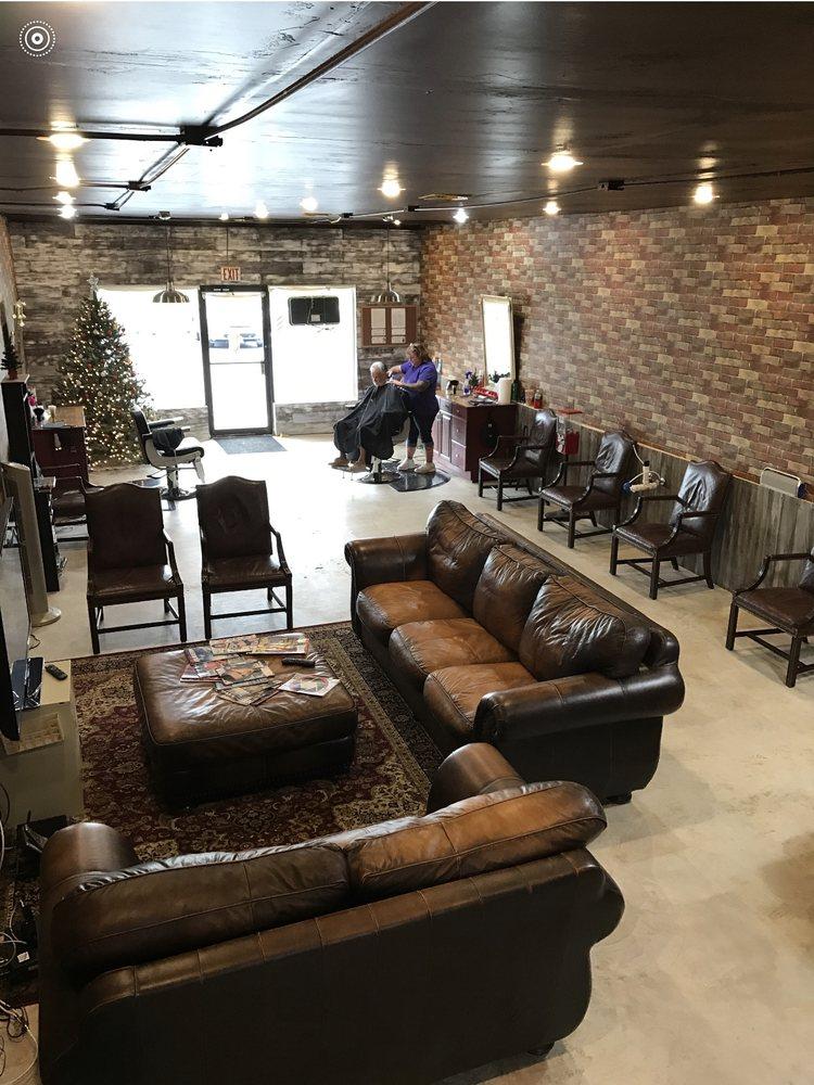 Anthony's Barber Shop: 10754 SE Federal Hwy, Hobe Sound, FL