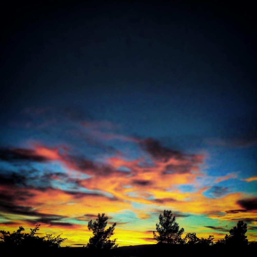 Zuni Village Rv Park: 2840 Airway Ave, Kingman, AZ