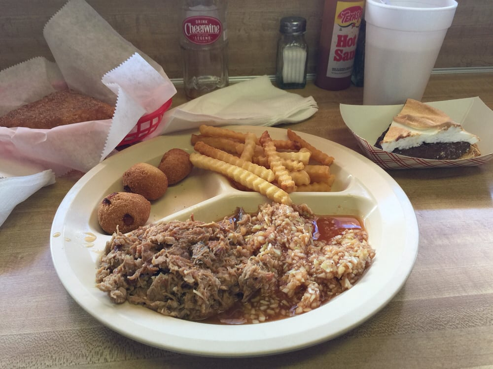 Snooks Old Fashion Barbecue: 109 Juney Beauchamp Rd, Advance, NC