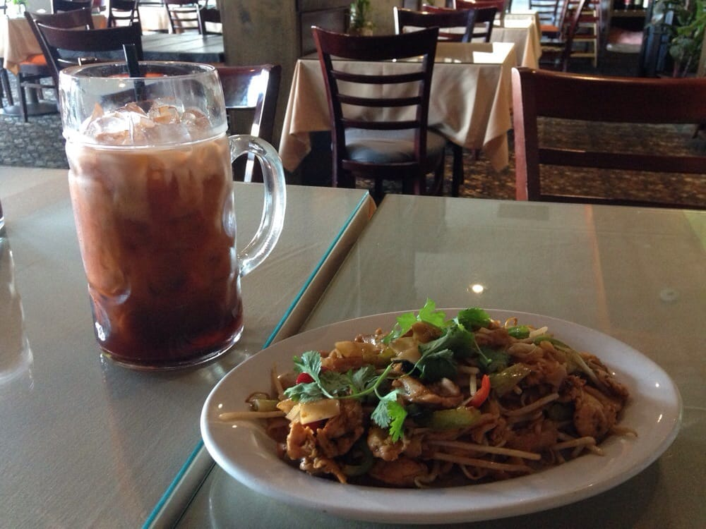 drunken noodle their huge thai tea yelp