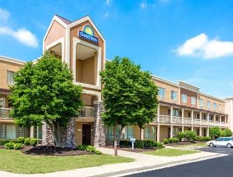 Days Inn by Wyndham Florence Cincinnati Area: 50 Cavalier Blvd., Florence, KY