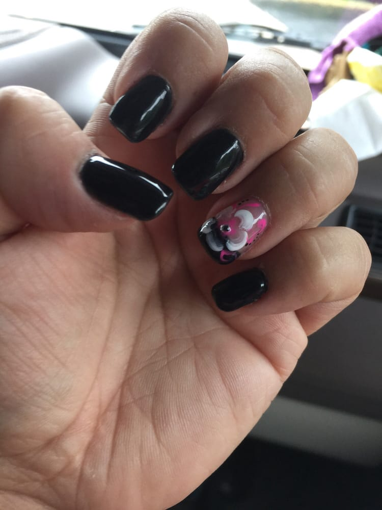 Strictly nails nail salons 3201 paxton st harrisburg for Abaca salon harrisburg pa