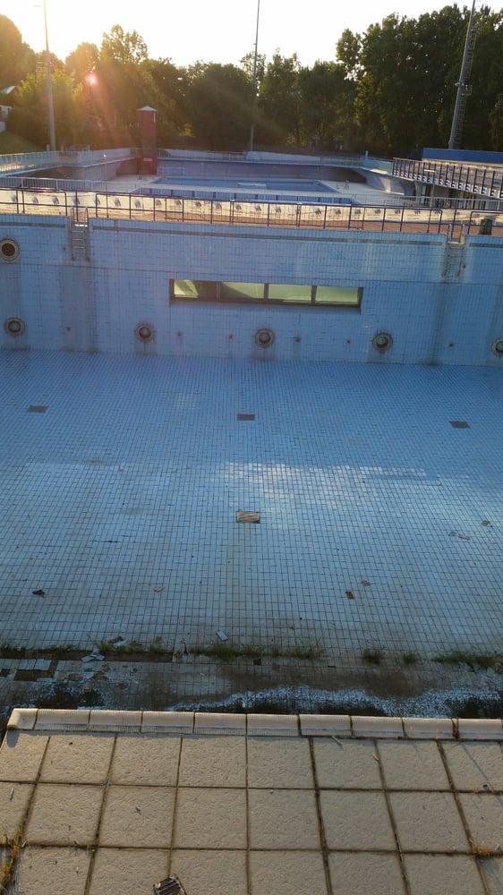 Centro balneare sportivo franco scarioni piscine via for Centro sportivo le piscine