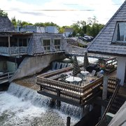 Falling Waters Lodge - 10 Photos & 17 Reviews - Hotels ...