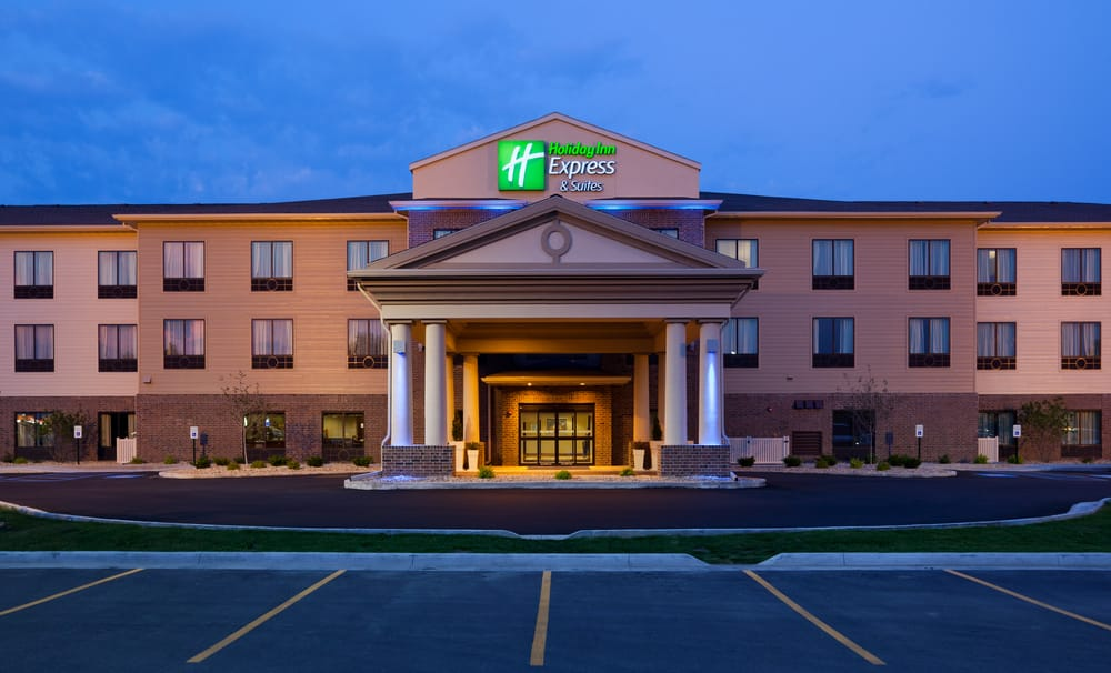 Holiday Inn Express & Suites Mason City: 3041 4th St SW, Mason City, IA