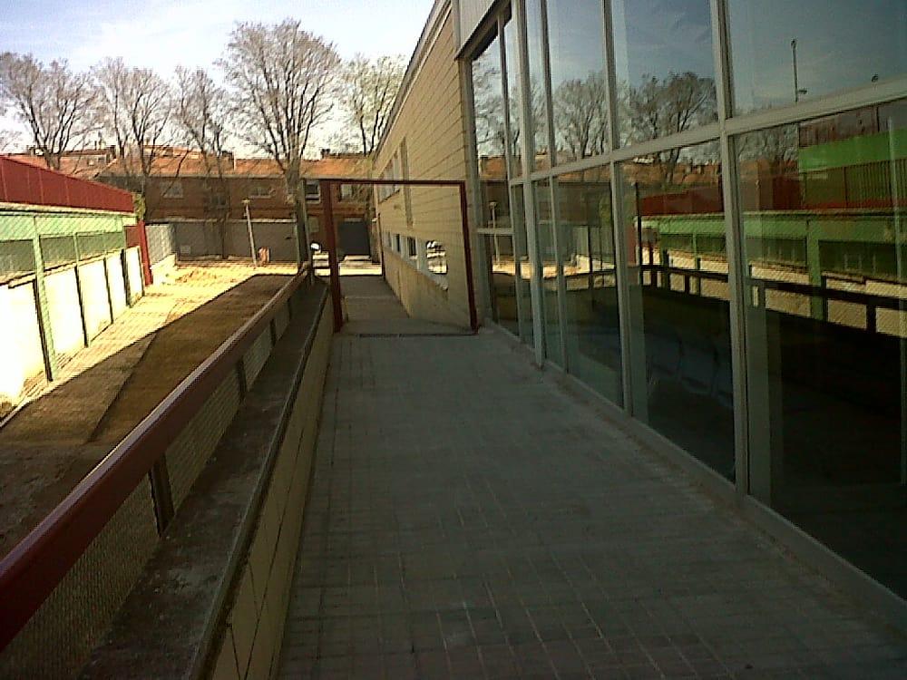 Piscina cubierta piscinas calle tomelloso 20 alcazar for Piscinas tomelloso