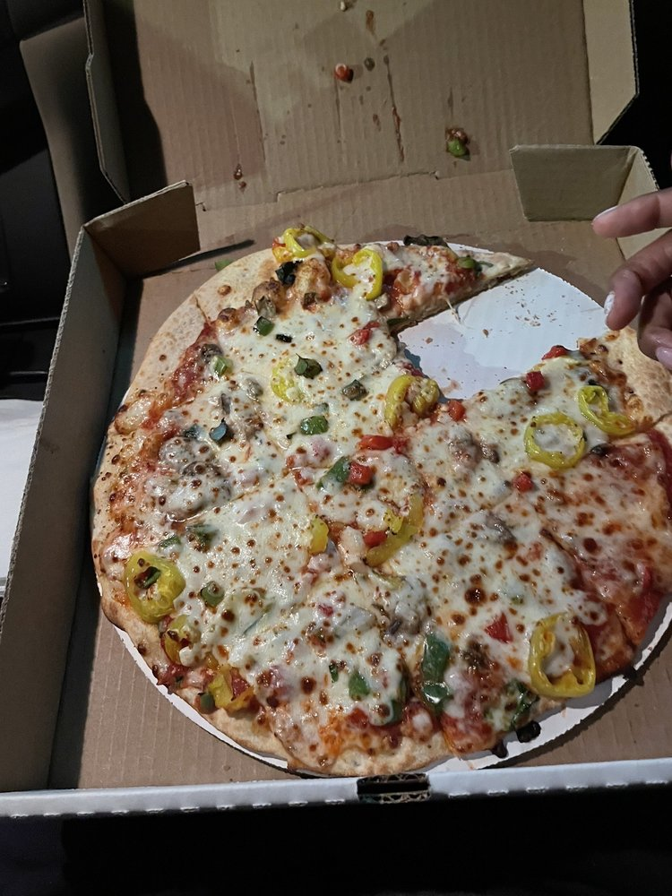 Van's Pizza and More: 5023 Competition Dr, Bettendorf, IA