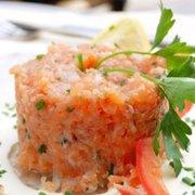 Boeuf mode et d Photo de Traiteur Innov  - Mionnay, Ain, France. Tartare de  saumon f3792fc09bc4