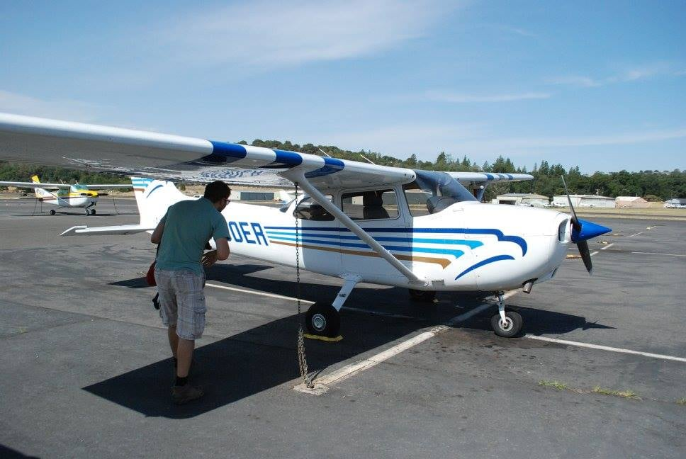 Springfield Flying Service: 10767 Airport Rd, Columbia, CA