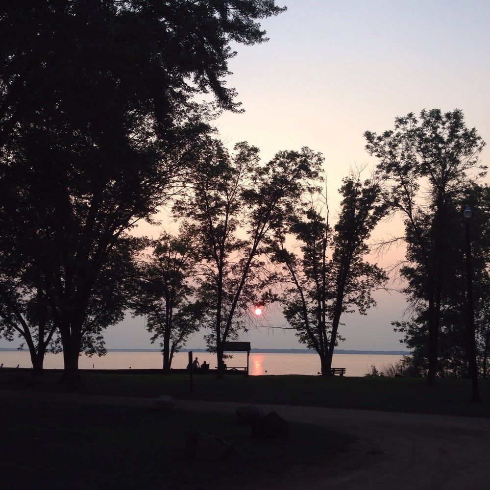 Petenwell County Park: 2004 Bighorn Dr, Arkdale, WI