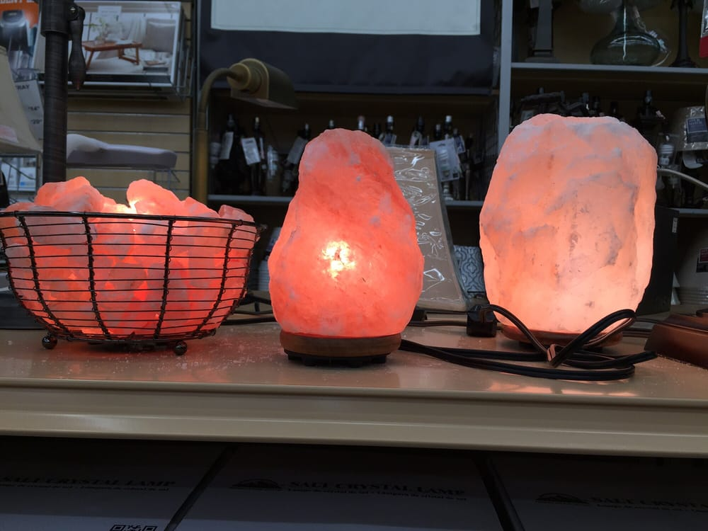 Picked up a new Himalayan Salt Lamp for my yoga room (^_^) has so ...