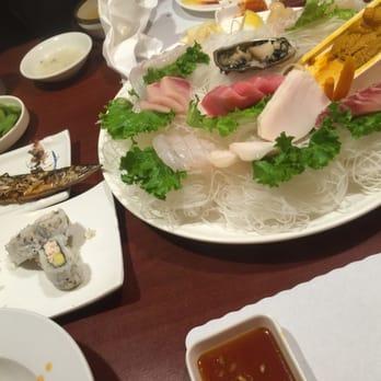Emily t 39 s reviews la mirada yelp for Aloha asian cuisine sushi