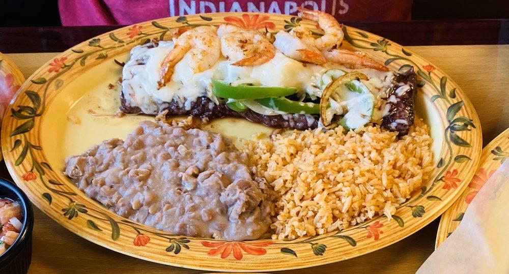 Carlos's Mexican Grill: 2 W Grand Ave, Fox Lake, IL