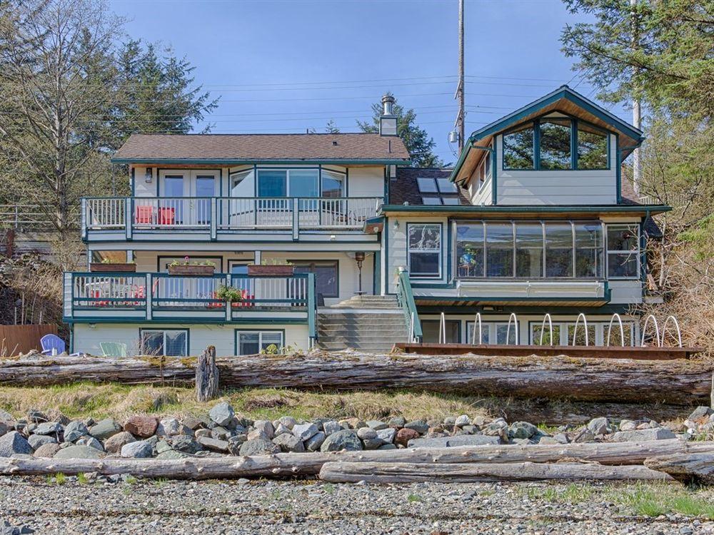 A Beachside Luxury: 3120 Douglas Hwy, Juneau, AK