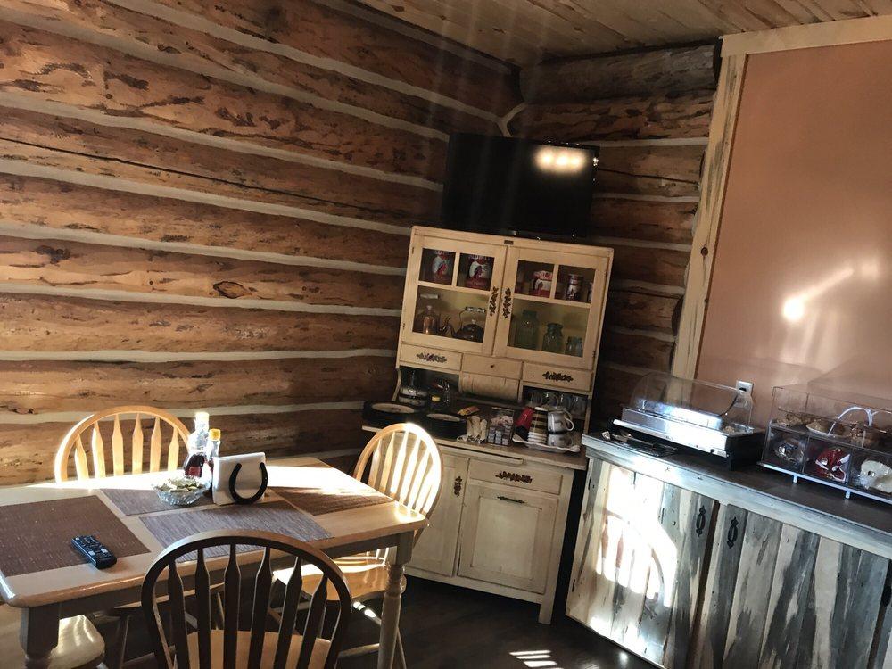 Rustic Lodge B&B: 4019 Prospector Dr, Colstrip, MT
