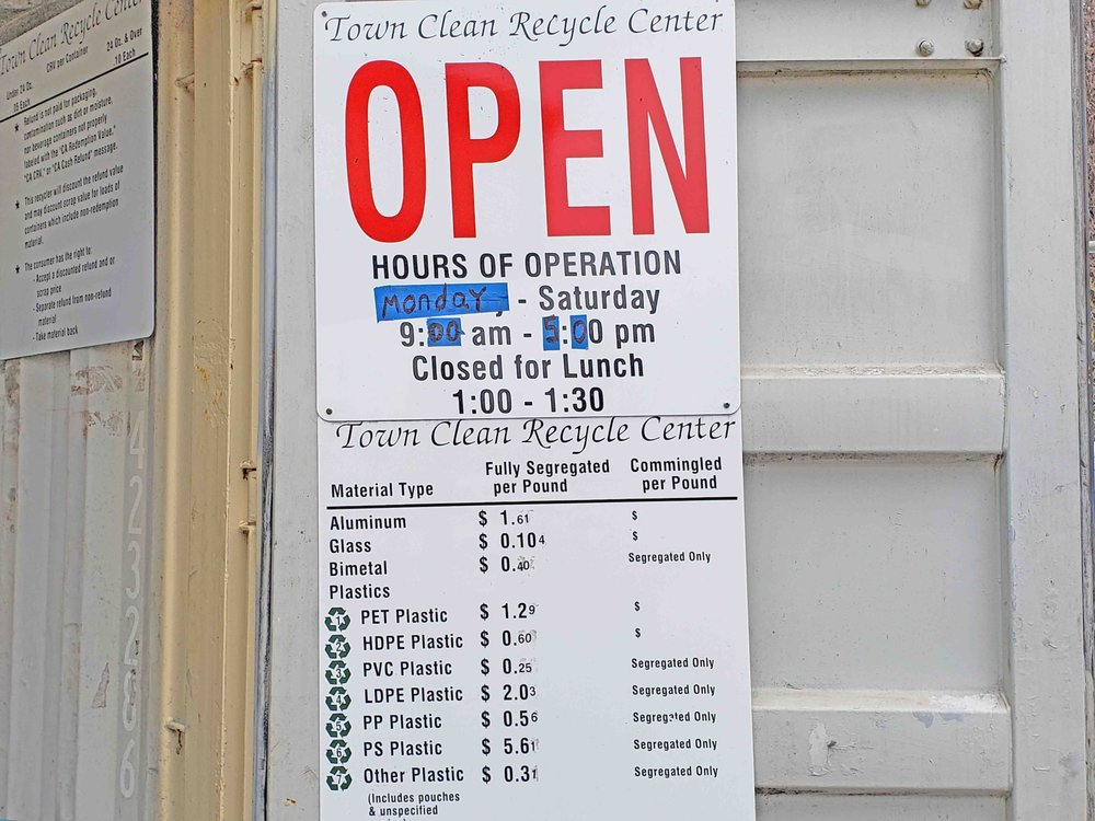 Town Clean Recycle Center: 575 S Auburn St, Colfax, CA