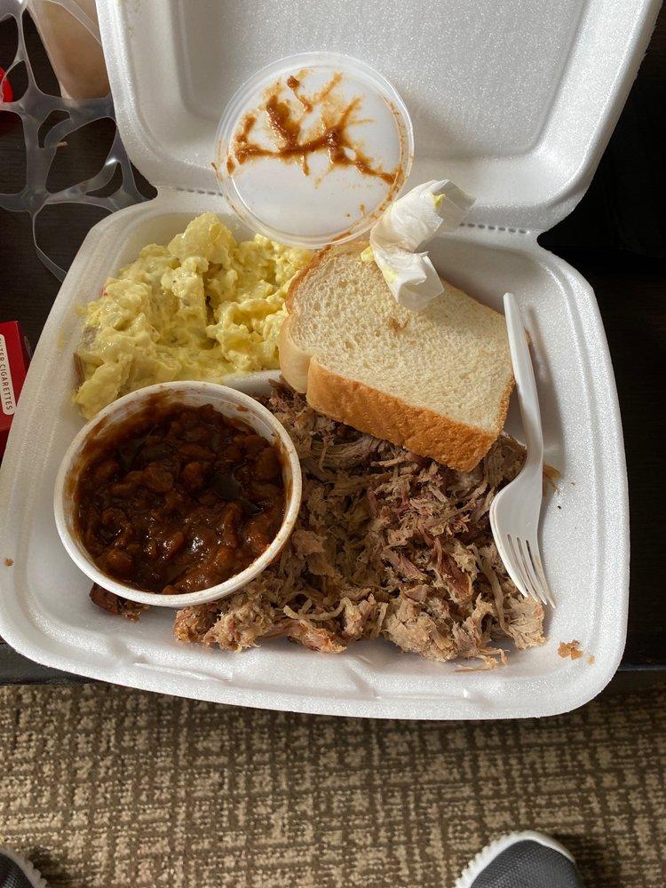 Chubby's BBQ: 925 E Washington, Hayti, MO