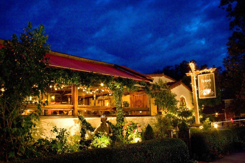 Robins Restaurant: 4095 Burton Dr, Cambria, CA