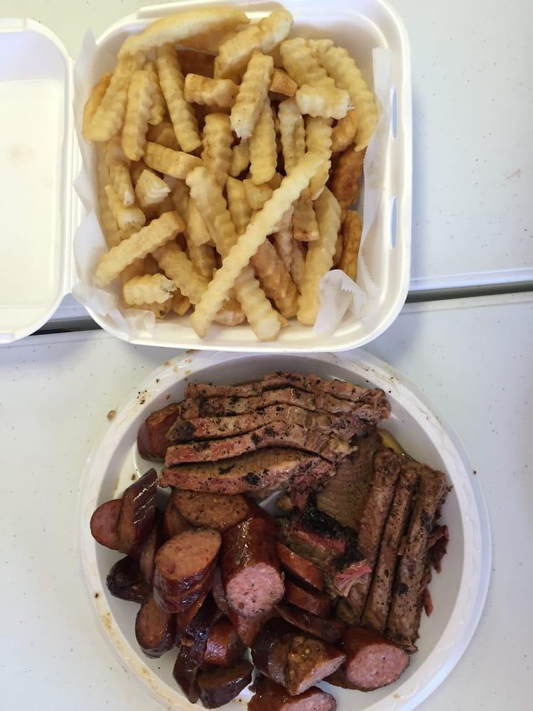 Daisy Dukes BBQ: 302 W Hwy 21, Caldwell, TX