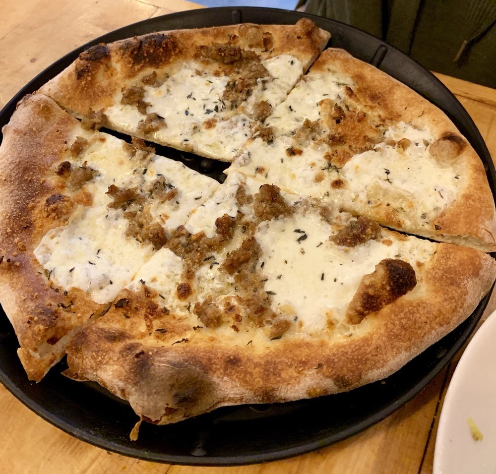 Food from Hard Knox Pizzeria