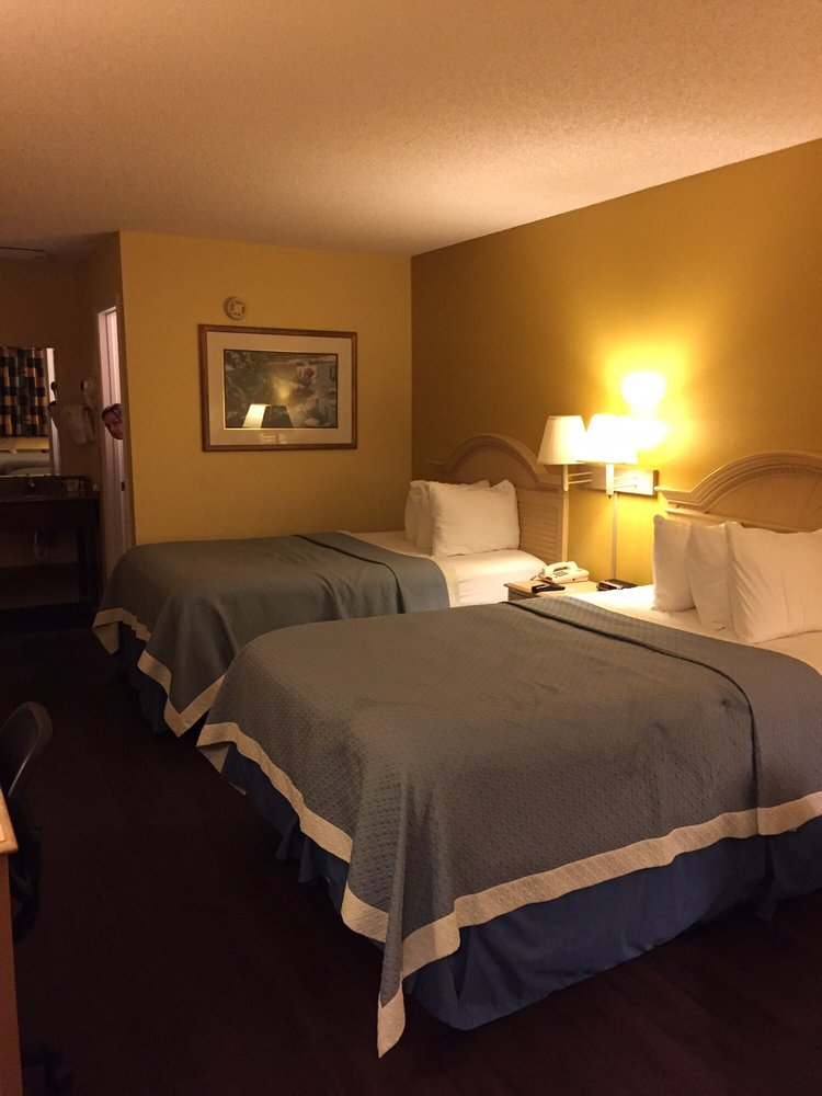 Days Inn by Wyndham Madison: 6160 South State Road 53, Madison, FL